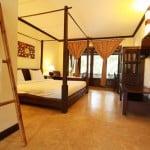 Seashell hotel room
